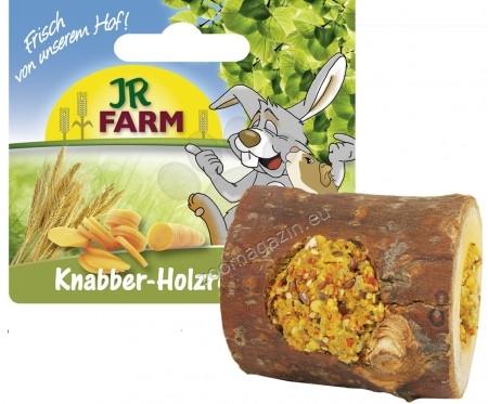 JR Farm Mr.Woodfield Nibble Woodroll Wholemeal - истинско дърво с пълнеж от множество моркови  150 грама