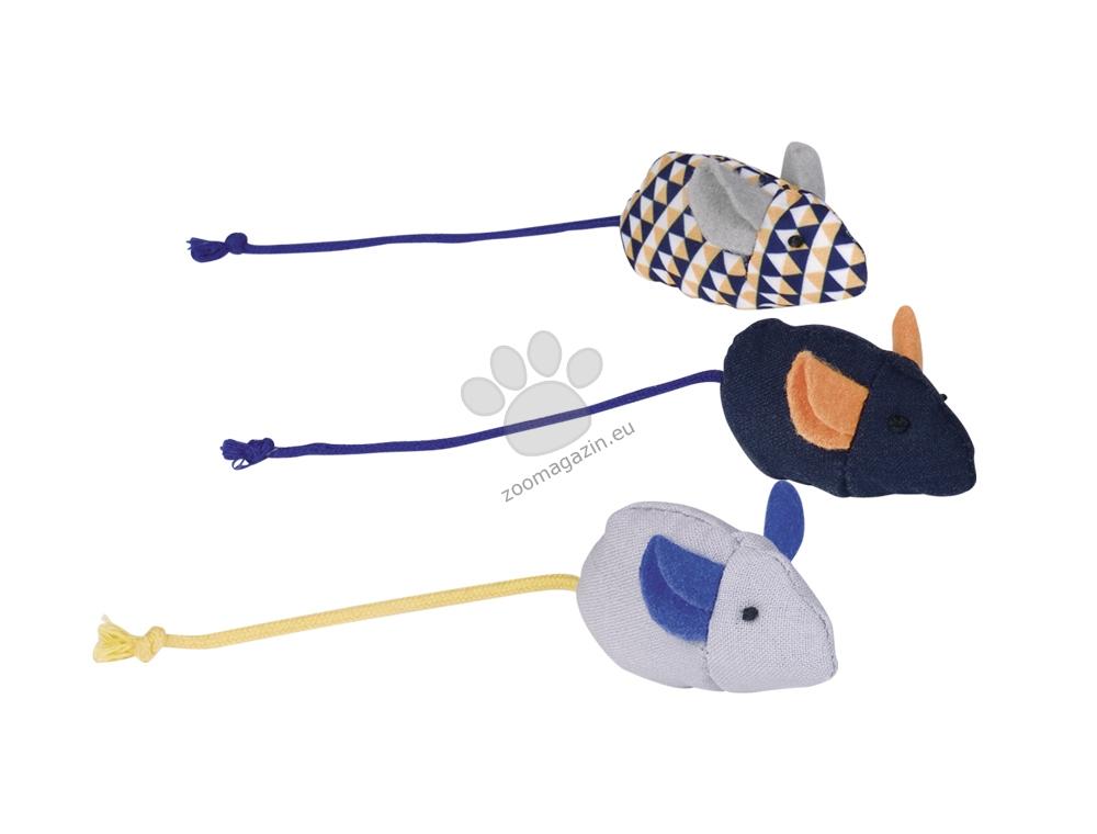 Nobby Fabric mice with catnip - мишки за игра 3 броя