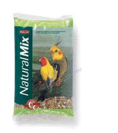 Padovan Naturalmix - комплексна и висококачествена храна за средни папагали 850 гр.