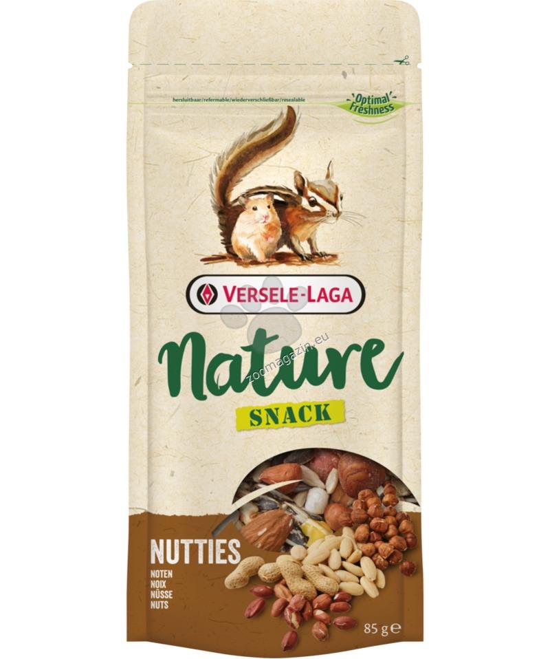 Versele Laga - Nature Snack Nutties - вкусно лакомство с ядки 85 гр.